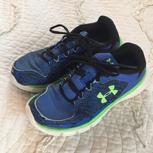 Under Armour Size 2 Boys Blue Green Sneakers